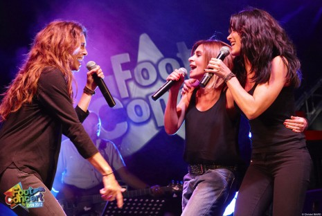 Claire Keim, Jenifer et Julie Zenatti, trio de charme du foot-concert 2012